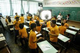 Crianças de escola municipal do Pilarzinho fazem jogos para gravação de DVD